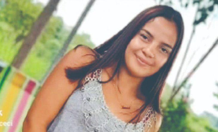 Un estudio forense confirmó que la chica presentaba dos impactos de bala en el cuerpo. Uno de ellos recibió en la cabeza y otro a la altura del pecho.