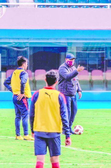 Arce apuesta por la cantera azulgrana y aseguró que buscará estabilidad en el equipo. Foto: CCP