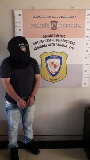 El hombre fue encontrado relax en un hotel de Ciudad del Este. Ahora ya está preso.