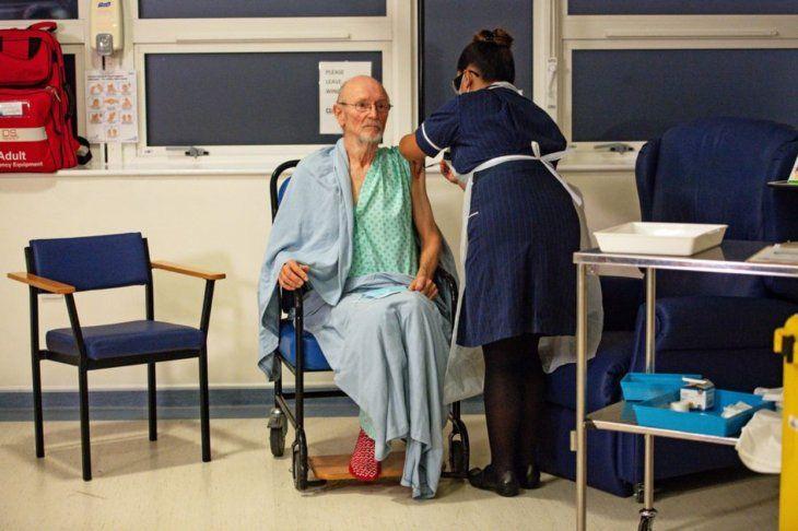 El abuelo se había vacunado en diciembre del año pasado.