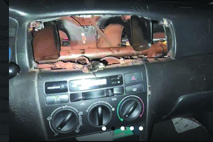 Ni la radio del vehículo se salvó.