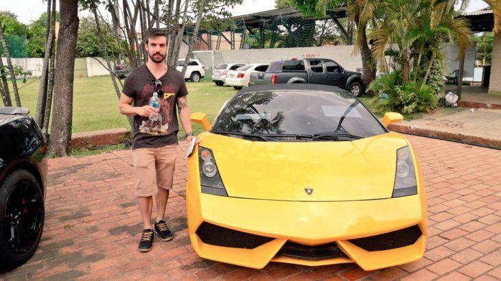 Ruan Bortolotto (25) compró el Lamborghini amarillo que fue de Cucho Cabañas.