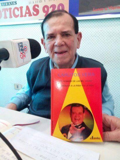 Carlitos sigue al frente de su propio programa en radio Nacional del Paraguay.